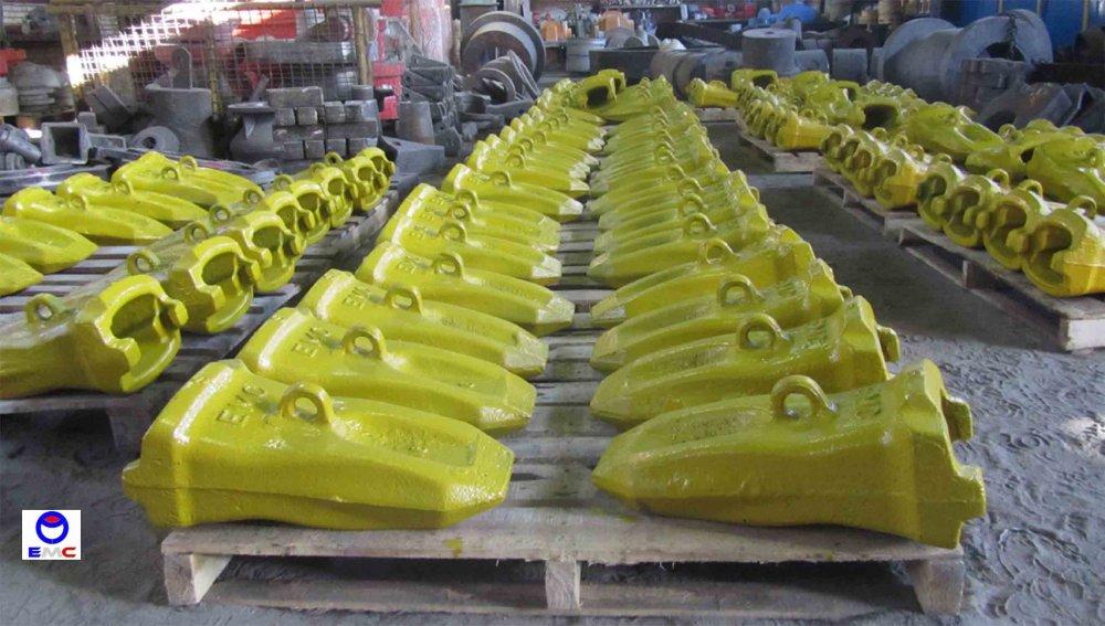 فروش  انواع ناخن و اداپتور ماشین آلات راهسازی و معدنی