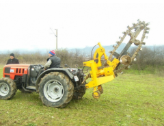 Roller circuits for agricultural machines