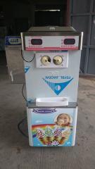 دستگاه بستنی ساز قیفی