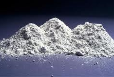 Powders of metals and their alloys