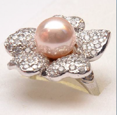 Silver ring with artificial pearl stone and cz