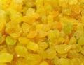 Golden bleached raisin