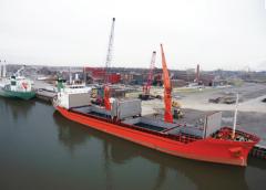 Port handling, stevedoring